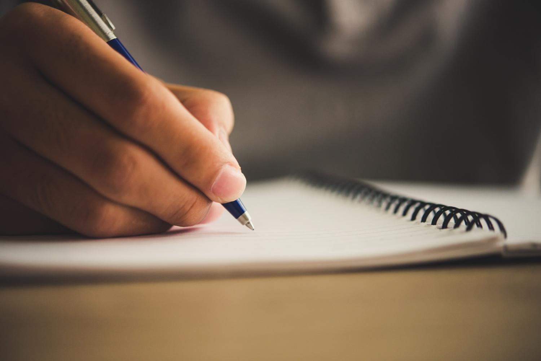 איך כתיבה שיווקית יכולה לסייע לבעלי עסקים?
